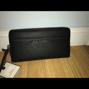 Dana Bushman wallet